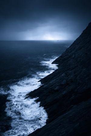Incoming storm by Alex Bihlo