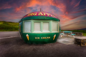 Big Apple Kiosk in Mumbles by Leighton Collins