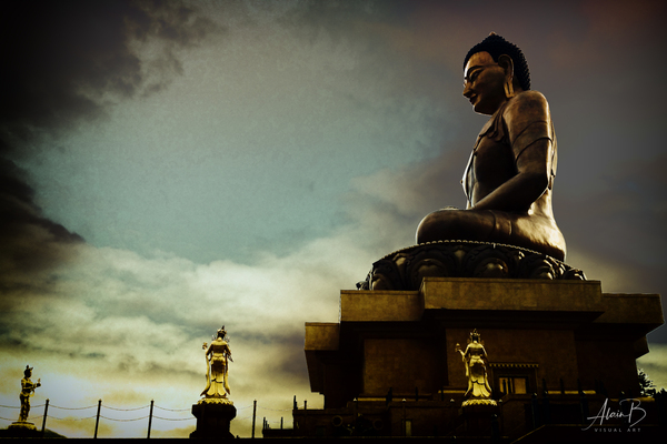 Buddha Statue in Buthan by Alain Beaudouard