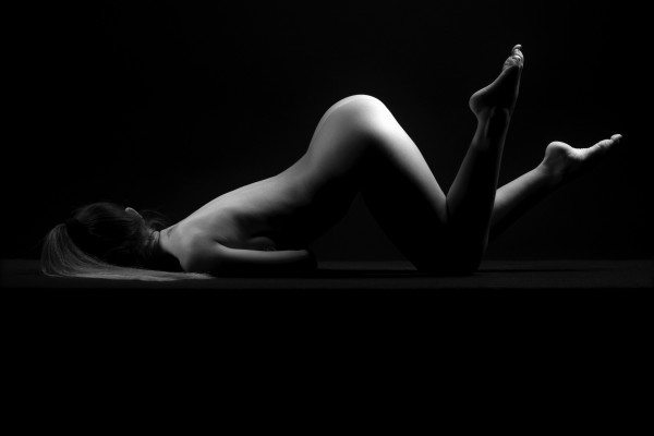 sensual_woman_nude_sexy_girl_laying_down_sleeping by Alessandrodellatorre