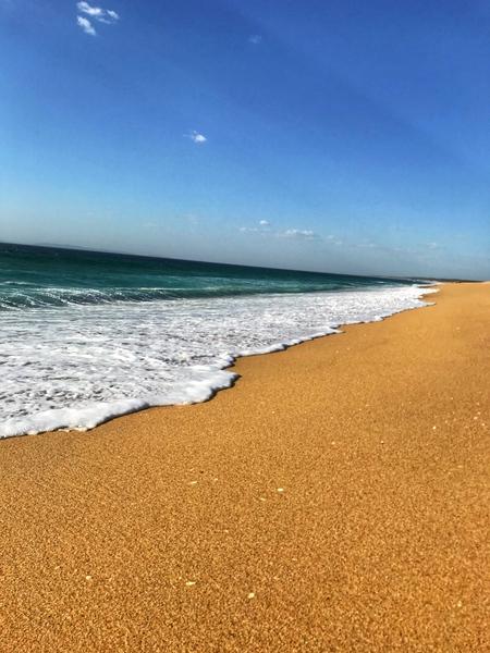 The oceans waves by Anita Varga