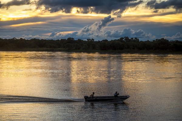 Araguaia River - Returning fishermen by Augusto Miranda