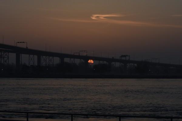 Bluewater Bridge Sunrise by Cameraman Klein