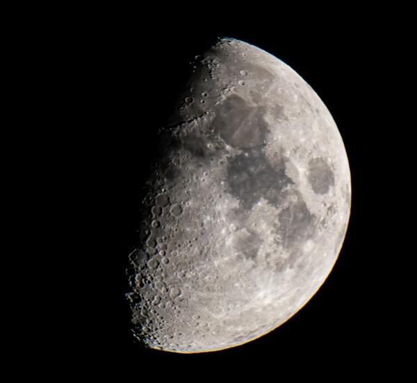 Moon by Cameraman Klein