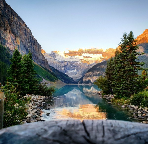 Lake Louise  by Chang Dynasty 87