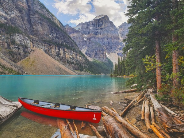 Moraine Lake  by Chang Dynasty 87