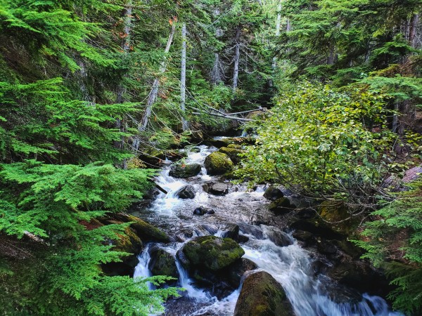 Colchuck lake trail by Chang Dynasty 87