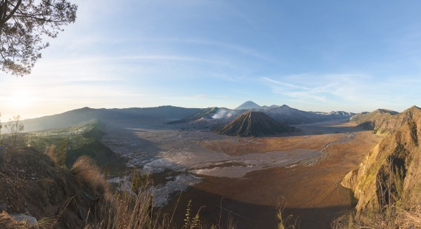 Mount Bromo panorama by Em Campos