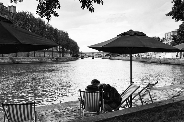 Paris lovers by Hassan Bensliman