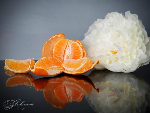 Orange sparkle  by Yuliya Marusina