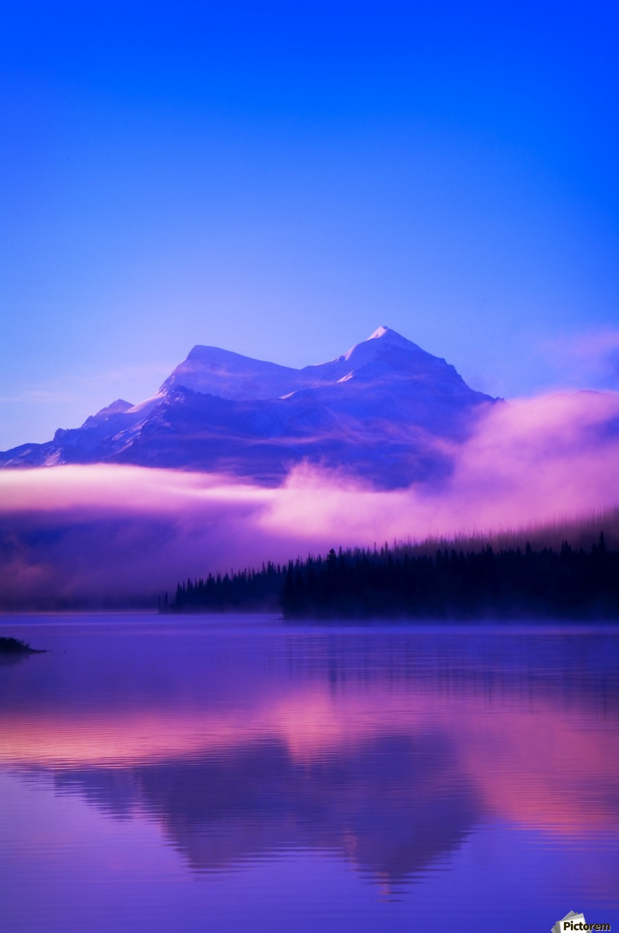 Maligne Lake, Jasper National Park, Alberta, Canada  Print
