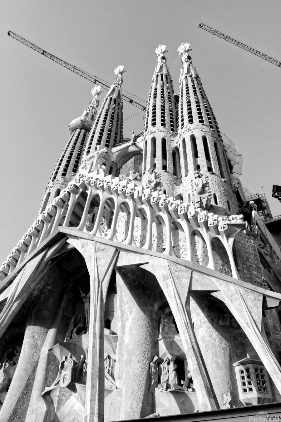 Barcelona Cathedral - La Sagrada Familia in black and white  Print