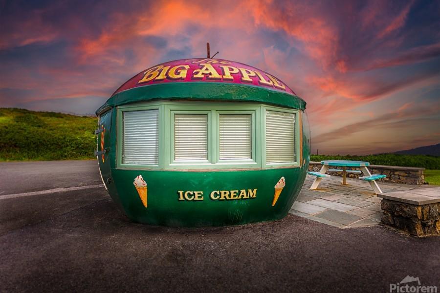 Big Apple Kiosk in Mumbles  Print