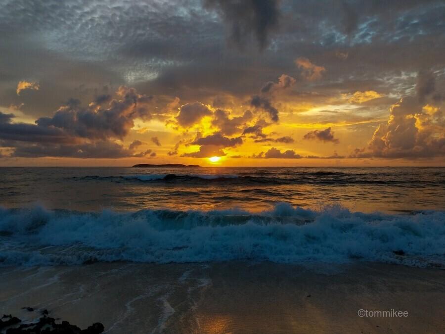 Eleuthera Sunrise splashdown  Print