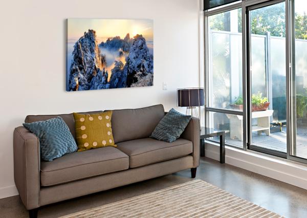 SUNRISE AT MT. HUANG SHAN 1X  Canvas Print