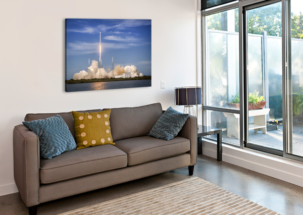 FALCON 9 LIFTS OFF FROM SPACE LAUNCH COMPLEX 40 BILL SWARTWOUT PHOTOGRAPHY  Canvas Print