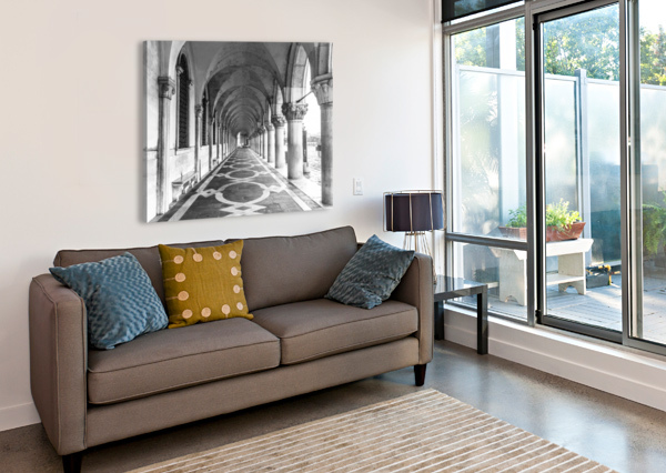 DOGE'S PALACE ARCHWAY IN VENICE, ITALY ASSAF FRANK  Canvas Print