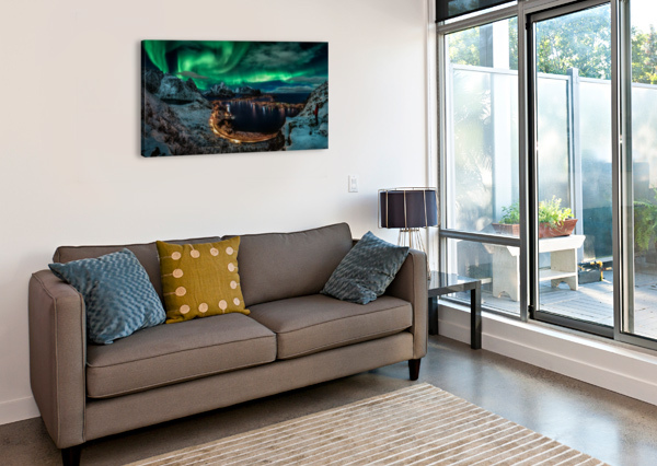 CHASING THE NORTHERN LIGHTS 1X  Canvas Print