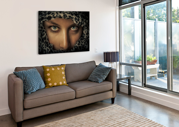 WOMAN WITH SCARF 1X  Canvas Print