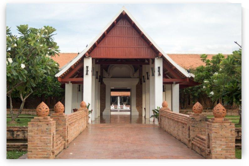 bridge in the  Sukhothai Heritage Resort by Babetts Bildergalerie