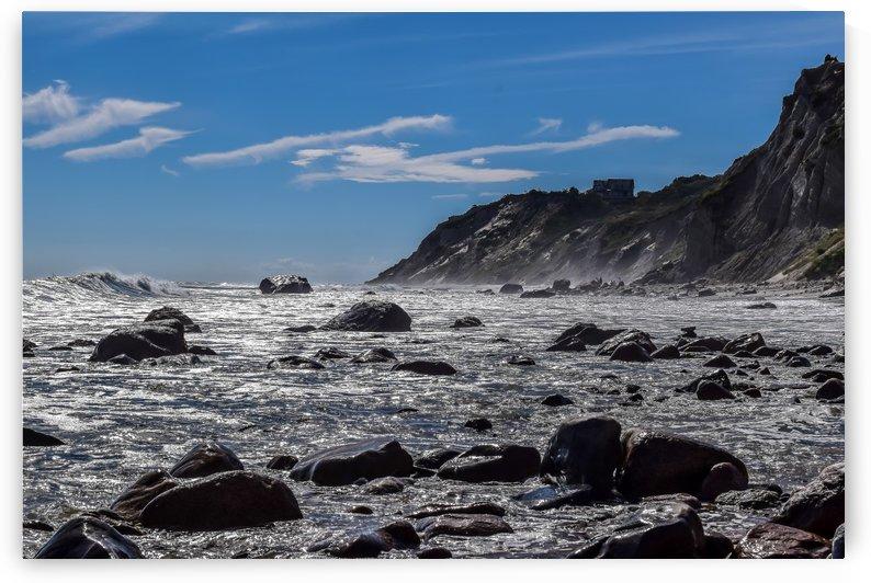 Mohegan Bluffs  by vincenzo