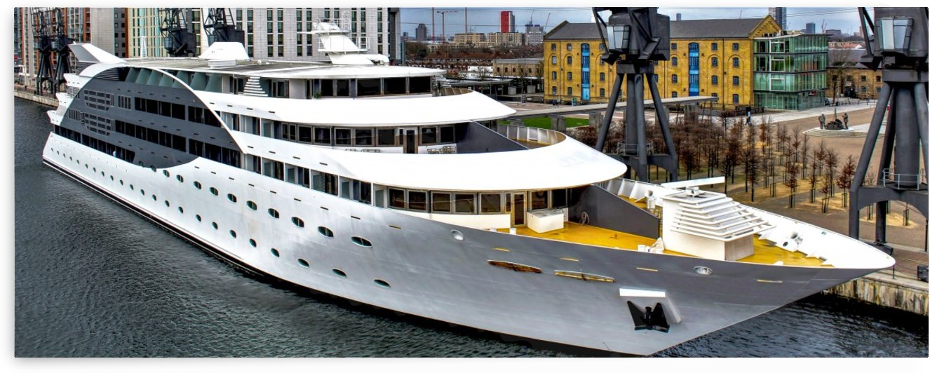 Cruise ship - Super Panoramic by Bentivoglio Photography