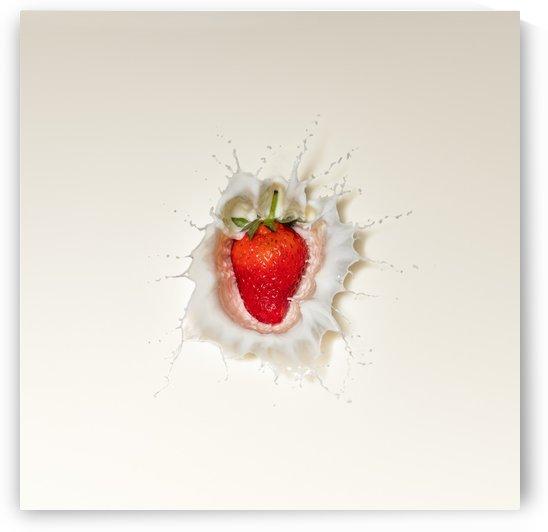 Strawberry splash in milk by Johan Swanepoel