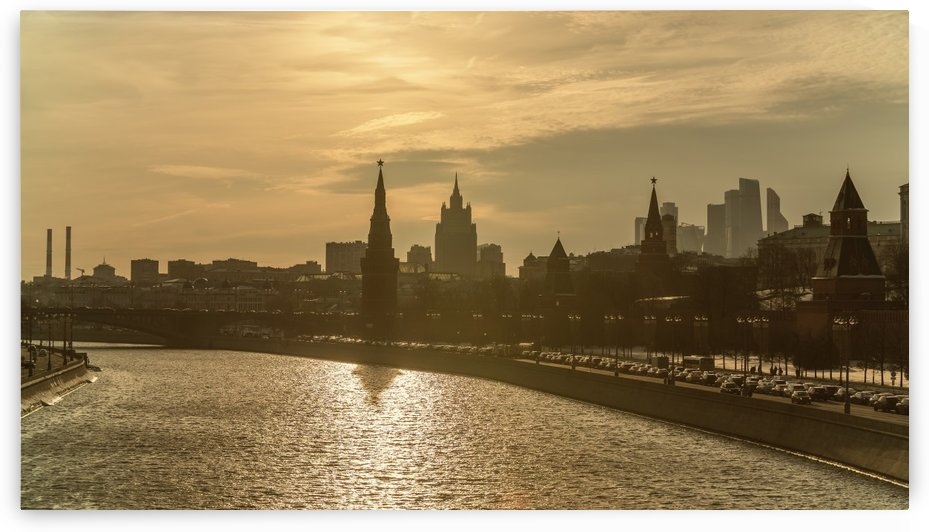 Spring evening Moscow, the Kremlin by Dmiry Laudin