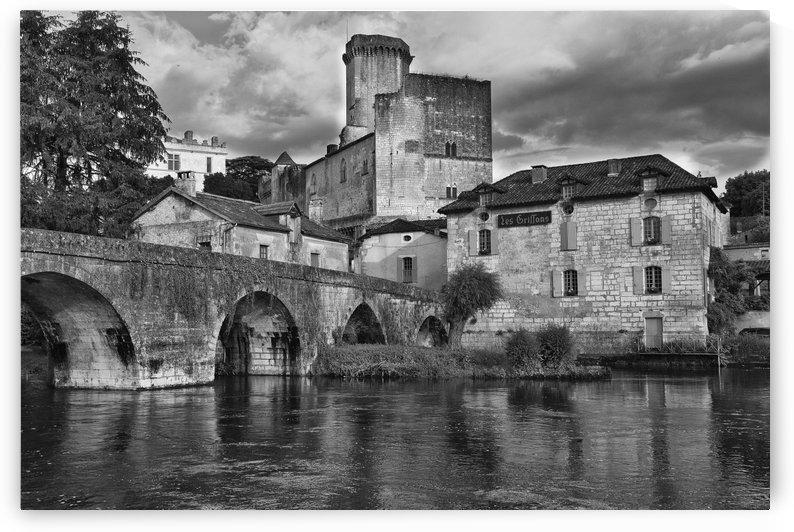 Bourdeilles Dordogne by Douglas Kay
