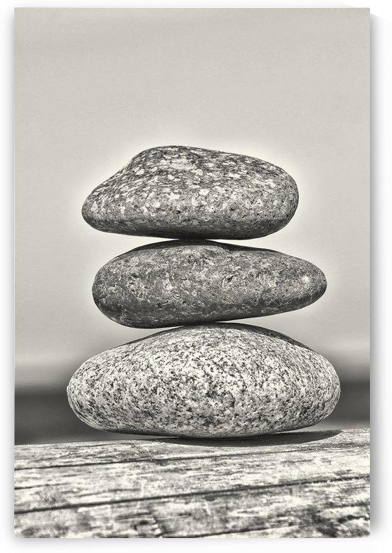 Drei Steine by Kirsten Warner