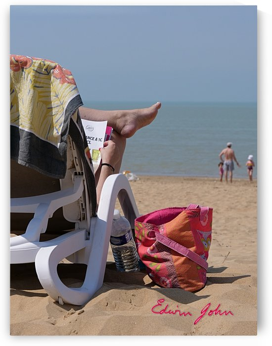 On La plage La Rochelle France  by Edwin John