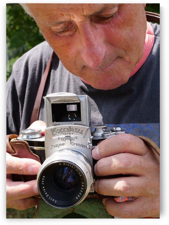 Artist Tomas Strelinger uses his Fathers Exacta 35 mm film camera by Edwin John