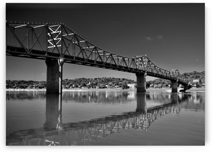 Black and White 02 by Bruce Bendinger