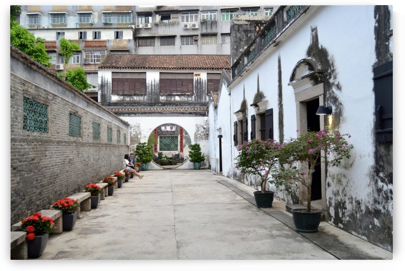 Mandarin House by Leyre