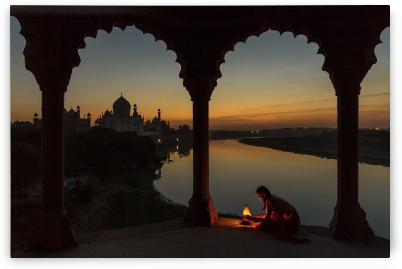Illuminating the Taj by 1x