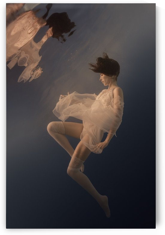 Beauty weightlessness by Dmiry Laudin