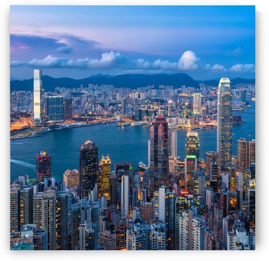 HONG KONG 31 by Tom Uhlenberg