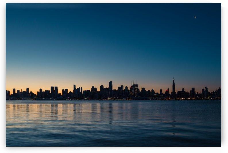 NEW YORK CITY 05 by Tom Uhlenberg