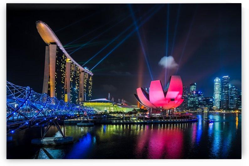 SINGAPORE 05 by Tom Uhlenberg
