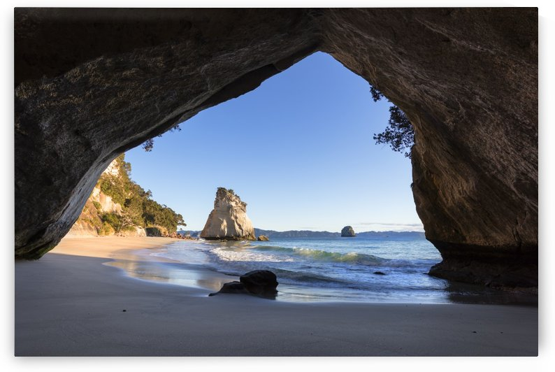 Cathedral Cove Beach by Alex Galiano
