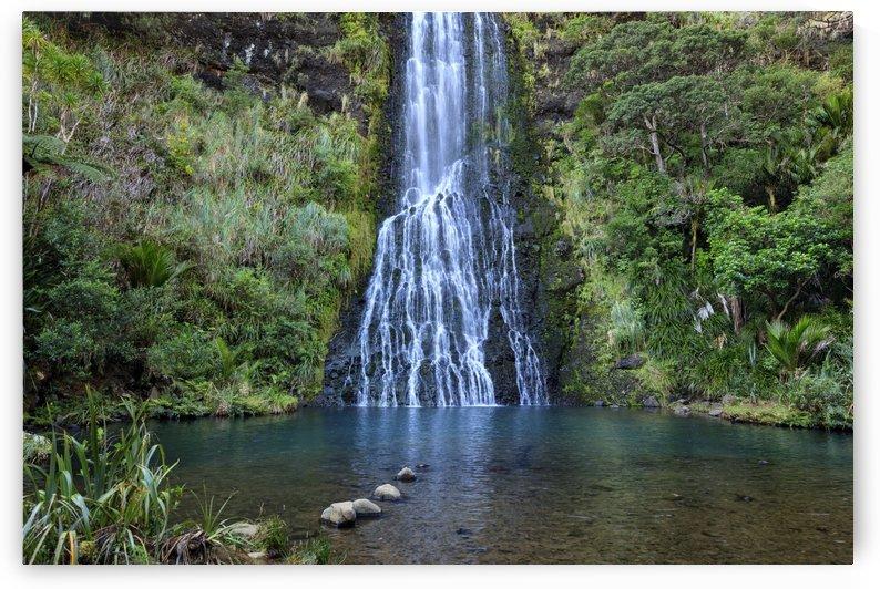 Karekare Waterfall by Alex Galiano