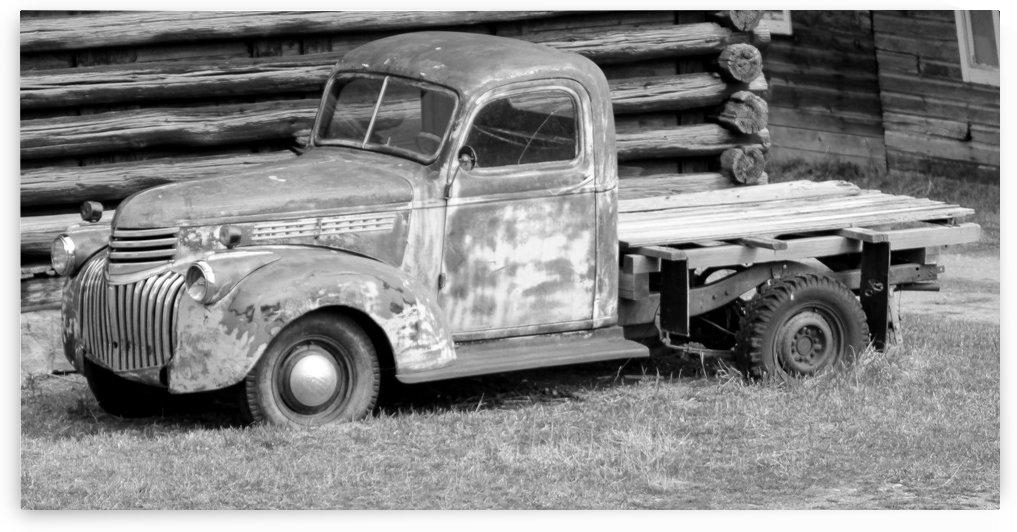 truck b&w  by bostermiller