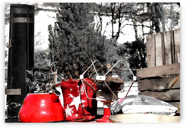 Red Kettle by Bentivoglio Photography