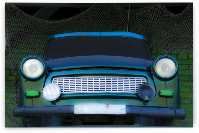 Trabbi by Kirsten Warner
