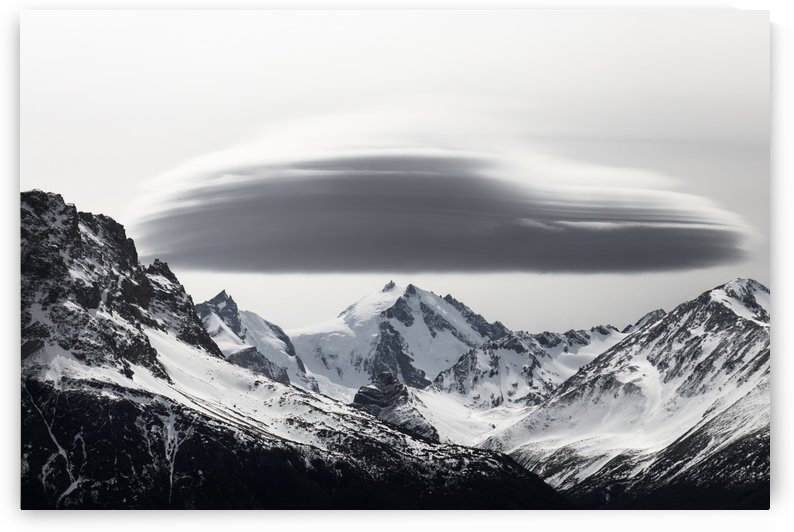 Lenticular Cloud by Klaus Balzano