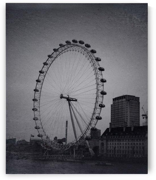 The London Eye Ext by Darryl Brooks