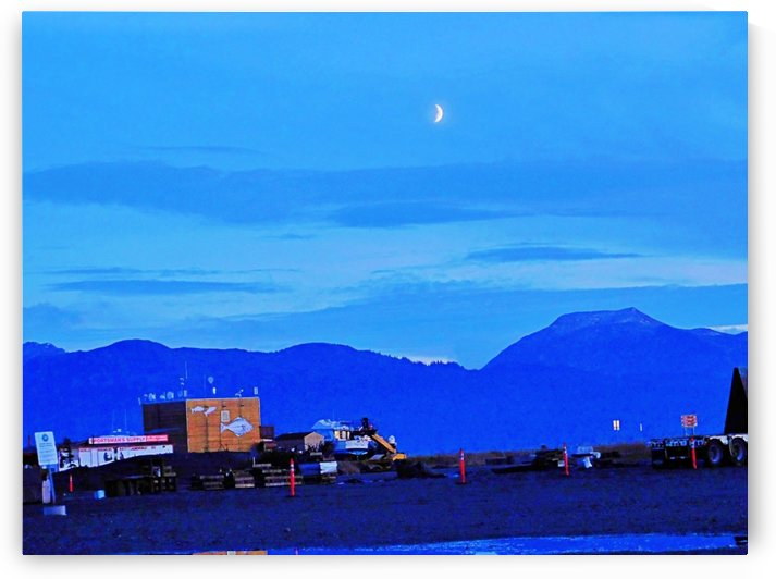 Homer Spit Moon by 151 West