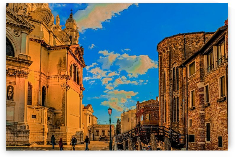 venice courtyard_1557106352.33 by Michael Snell