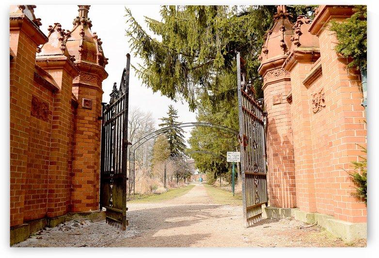Gateway by Quiet Art