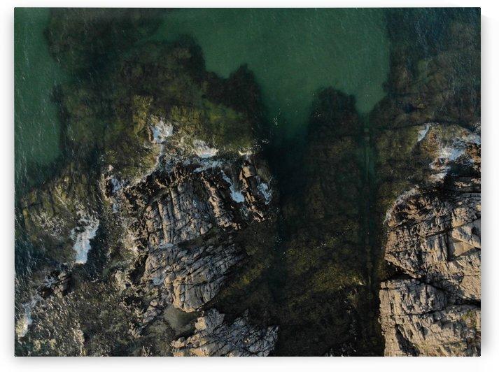 Rocky ocean by Sebastian S